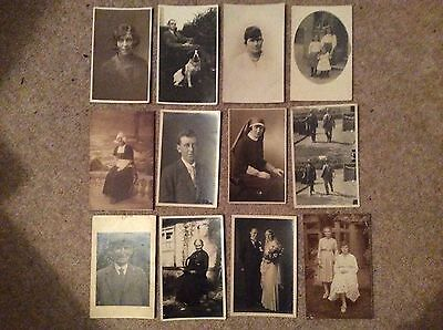 Lot 5 Collection of Vintage Postcards: People