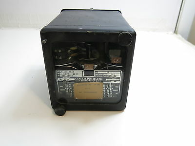 VINTAGE GENERAL ELECTRIC GE TIME OVERCURRENT RELAY MODEL 12IAC11S45 (n2 of 2)