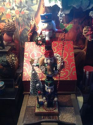 FANTASTIC NEW NUTCRACKER 18inch NUTCRACKER TOWER, WITH NUTCRACKER AND XMAS TREE.