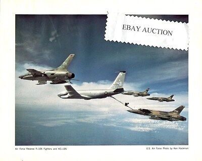 REPUBLIC F-105 THUNDERCHIEF KC-135 STRATOTANKER USAF Original Promo Photo Print