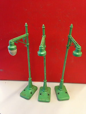 POST-WAR LIONEL #64 Street Lamp LOT of three Light O Gauge