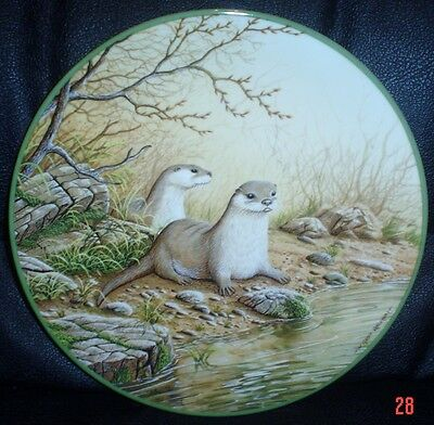 Royal Doulton Collectors Plate OTTER PAIR ON A RIVER BANK