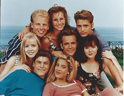 Beverly Hills 90210 Cast  8 X 10 Photo With Ultra Pro Toploader