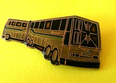 Voyageur (Articulated) Bendy Bus (Owned by Greyhound) Quebec Lapel Pin
