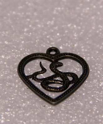 Chinese Astrology Are You Are Snake ? Snake Love Heart For 2017 Feng Shui