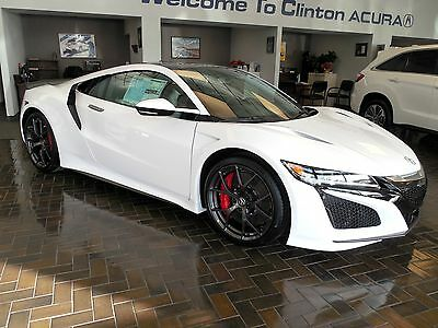2017 Acura NSX Coupe 2-Door 2017 Acura NSX 2DR Coupe 130R White Carbon Brakes Carbon Fiber Roof Package