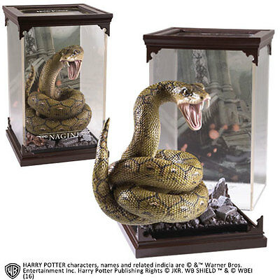 Noble Collection  Harry Potter Magical Creatures Statue Nagini 19  cm
