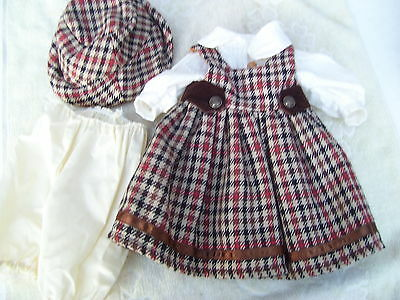 Alte Puppenkleidung Wooly Skirt Dress Hat Outfit vintage Doll clothes 40 cm Girl