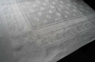 Early Vintage Irish Linen Double Damask Tablecloth Oak Leaves Flowers 71""