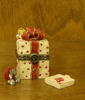 Boyds Treasure Box  #82071 Valentino's Present Special Occassion Valentine's Day