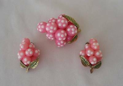 Vintage 50s Pink Plastic Fruit Berry Brooch Earring Set PIN