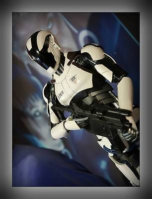 HCG Total Recall Synth Police Statue 1/4 Premium Statue