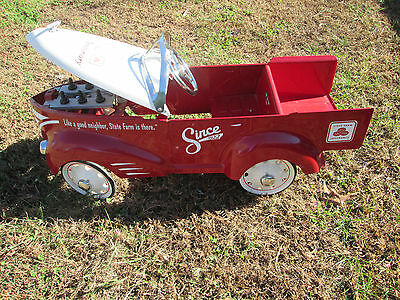 State Farm Pedal Car Wrecker 80th Aniversary {missing Towing bar }