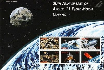 APOLLO XI Moon Landing / Eagle & Command Module Space Stamp Sheet (1999 Grenada)