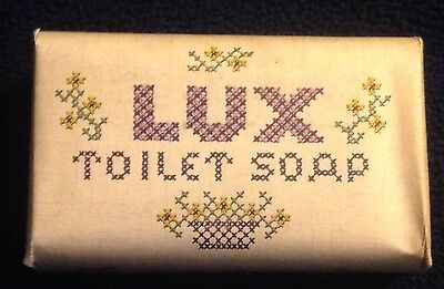Circa 1940 Vintage Lux Toilet Soap Bar New Old Stock