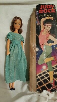 Vintage plastic doll JUDY ROCK NEW DESIGN 70S 11.5 inches