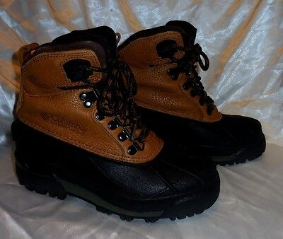 COLUMBIA - WATERPROOF SNOW / HIKING BOOTS - Youth Sz 6 - Style: BUGABOOTOO HIGH