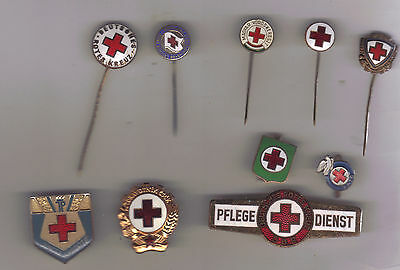 10 pins badges Red Cross