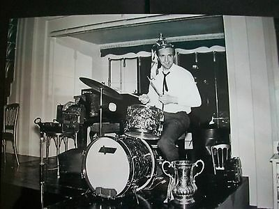 """WEST BROMWICH ALBION player Jeff Astle with cup 1968 playing drums 6""""x4""""REPRINT"""