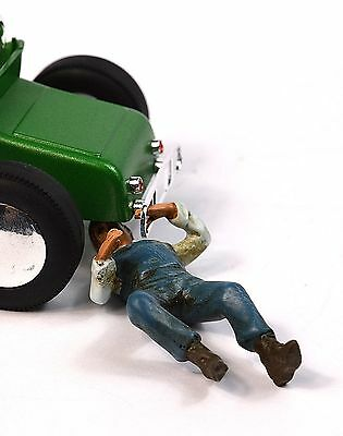 Henry Mechanic Lying American Diorama 77743 1:24 Accessory Car Not Included