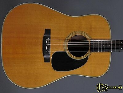 1975 Martin D-28 Dreadnought Guitar  - Natural Spruce Top - incl. orig. case !