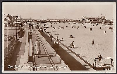 The Sands & Britannia Pier,  Great Yarmouth   Postcard  Posted  1954  (RP) (531)