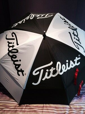 "TITLEIST 2017 STAFF 68"" TOUR GOLF UMBRELLA Colour BLACK/WHITE NEW"