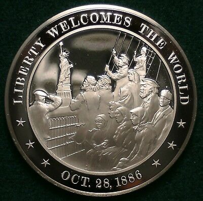 +1886 Statue of Liberty Welcomes the World. - Solid Bronze Franklin Mint Medal