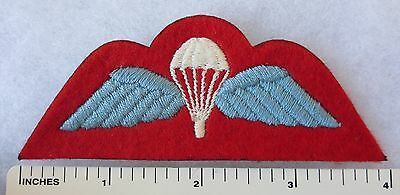 Cold War Vintage Post WW2 BRITISH AIRBORNE PARACHUTE WINGS PATCH on RED