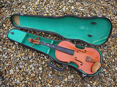 Cased violin the Stentor student made in England