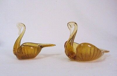 Vintage Unknown Maker Glassware Pair Of Amber Nesting Ashtray Swans