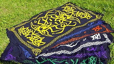 1 x GREEN & BLACK CELTIC NORSE SARONG - ALTAR CLOTH Wicca Pagan Witch Goth