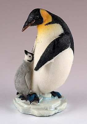 "Emperor Penguin With Baby Chick Figurine Resin 3.75"" High New!"