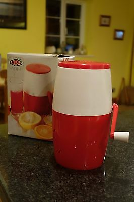 Vintage Retro 50s 60s Red/White Bar Lillo Ice Crusher/Grinder Cocktails Boxed