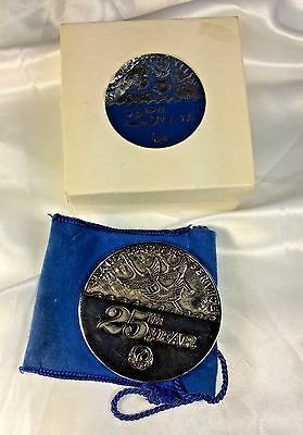 JAL Japan Airllines 25th Year Trans Pacific Service Medallion Coin Vintage