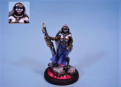 Confrontation painted miniature Alyena