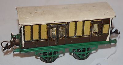 HORNBY SERIES O GAUGE No 1 PASSENGER BRAKE VAN IN GWR GREEN AND BROWN LIVERY