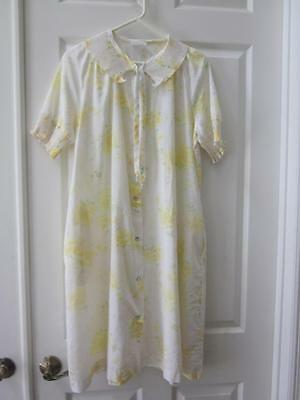 VTG JC Penney White w/ Yellow Flower Print Snap Front House Dress Sz M