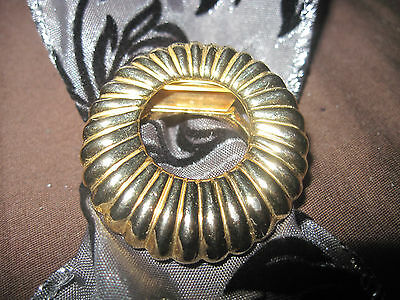 BEAUTIFUL Gold Round Fluted/Ribbed Heavy Scarf/Dress Clip....#4043