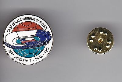 "World Cup Logo "" Chile 1962 "" - lapel badge butterfly fitting"