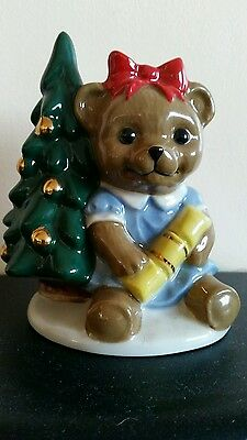 Wade Annabell Official International  Collectors Piece Christmas 1998