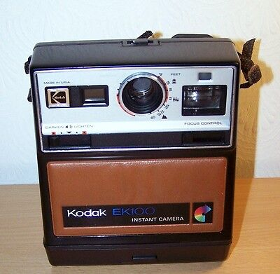 Vintage Kodak EK100 Instant Camera with CARRY CASE.