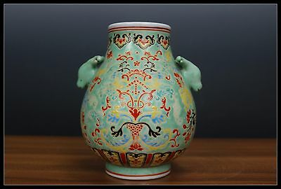 Fine Beauiful Chinese Famille Rose Porcelain vase