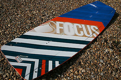 Liquid Force Focus 2016 Kiteboard 138 X 42 New Deck  Fins Kite Board Kitesurfing