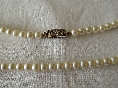 Beautiful Faux Pearl Necklace with Silver Clasp