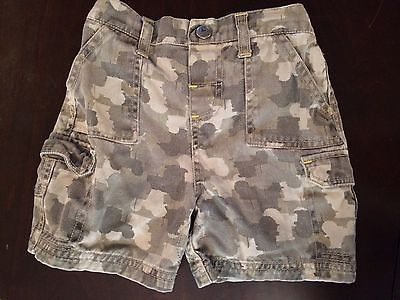John Deere Boys Toddler Size 2T Shorts Camo Camouflage Tractors Gently Preowned