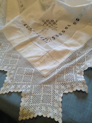 "White vintage linen drawn thread work tablecloth  with a 4.5"" pointed lace edge"