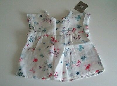 BNWT Next Baby Girls White Floral Top T-shirt Size 3-6 months