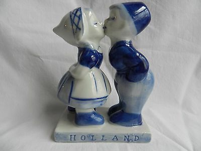 Hand Painted Holland Delft Blue Dutch Boy and Girl Kissing Porcelain Figurine