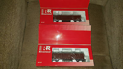 Two Rivarossi closed wagons HO gauge possible use with Hornby?